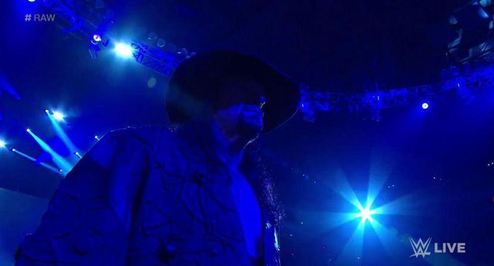 The Undertaker se hizo presente, una vez más, en Raw. (WWE)
