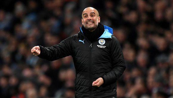Pep Guardiola se quedaría en Manchester City, pese a la sanción de UEFA. (Foto: Getty Images)