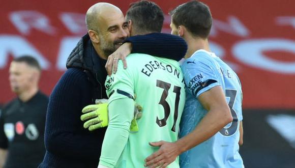 Guardiola más que feliz en el Manchester City. (Foto: AFP)