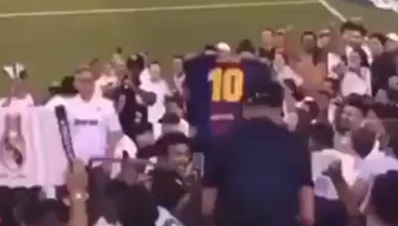 Hincha del Barcelona celebró el 7-3 del Atlético al Real delante de los hinchas 'blancos'. (Video: YouTube)