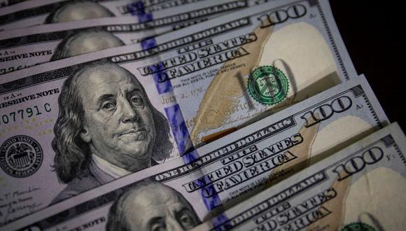 El dólar se negociaba en 19,9480 pesos en México este viernes. (Foto: EFE)