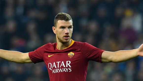Edin Dzeko tiene contrato con la AS Roma hasta junio del 2022. (Foto: AFP)
