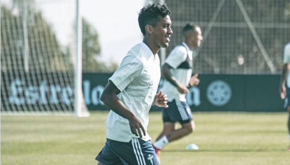 Renato Tapia fue autorizado para entrenar de manera parcial con el grupo. (Foto: Celta de Vigo)