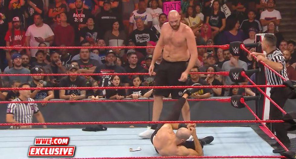 Cesaro fue noqueado por Tyson Fury. (Foto: WWE)