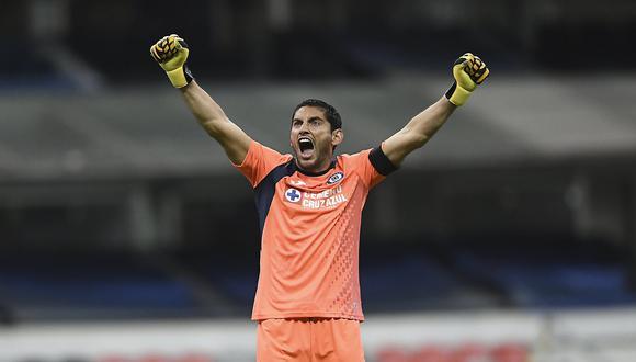 José de Jesús Corona sueña con ganar su primera Liga MX con Cruz Azul. (Foto: Twitter)