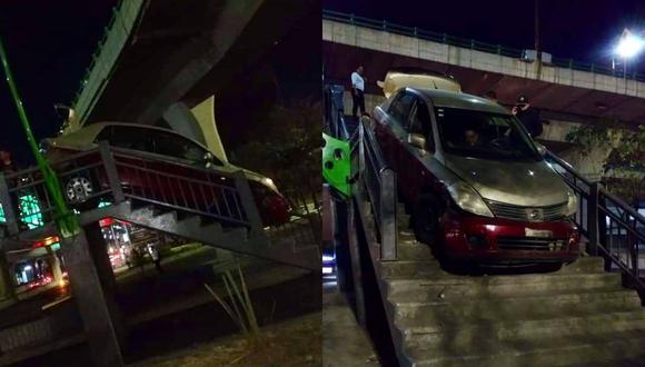 Un video viral muestra el aprieto en el que se metió un ebrio que intentó bajar manejando su taxi por un puente peatonal de Naucalpan de Juárez. | Crédito: @MrElDiablo8 / Twitter