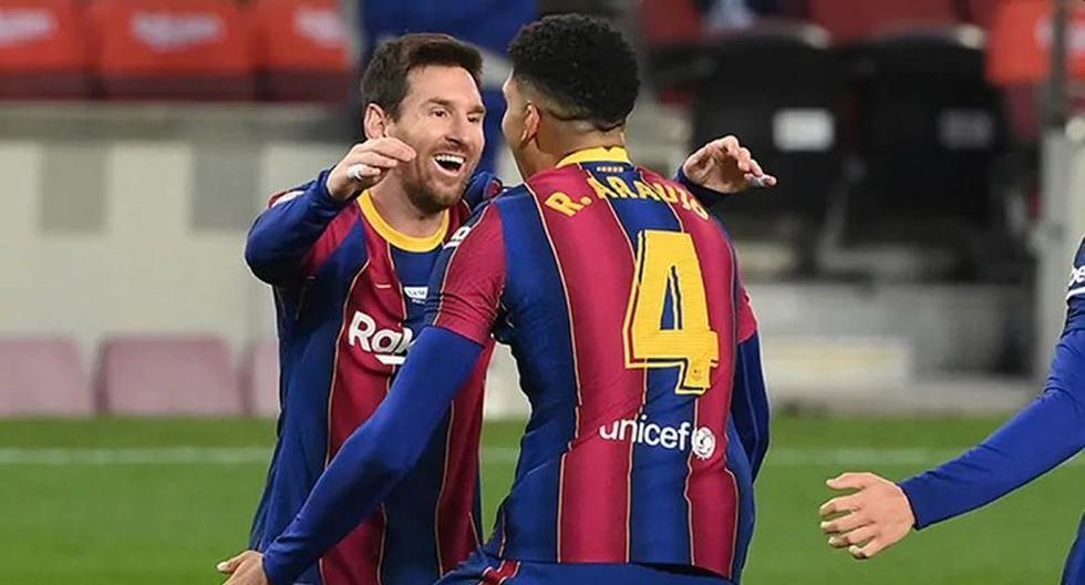 """Araújo reveló la estrategia detrás de su gol de cabeza: """"Messi siempre me dice que vaya a esa zona"""""""