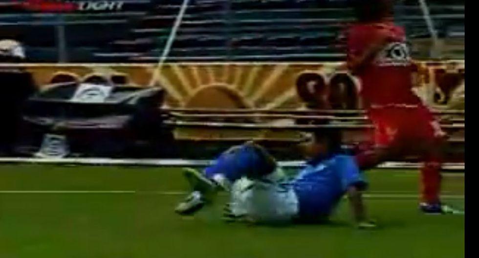 Terrible captura de la fractura de tobillo de Edgar Andrade, del Cruz Azul.