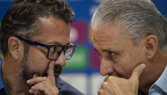Tite y su asistente Cleber Xavier alabaron a Ricardo Gareca por su trabajo en la selección peruana. (Foto: AFP)