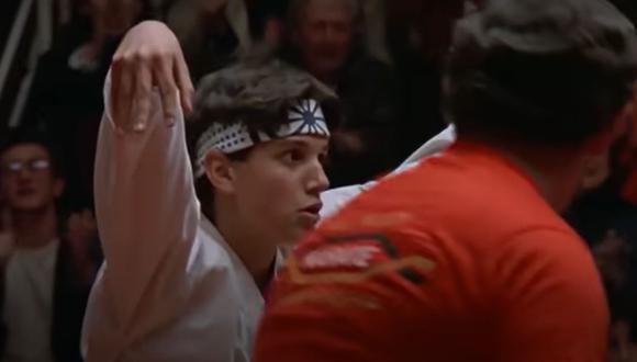 Una magnífica patada le sirivió a Daniel LaRusso ganar el torneo frente a Johnny Lawrence. (Foto: Sony Pictures Home Entertainment)