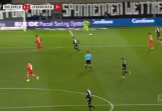 El grosero error de portero de Leverkusen que terminó en autogol en la Bundesliga [VIDEO]