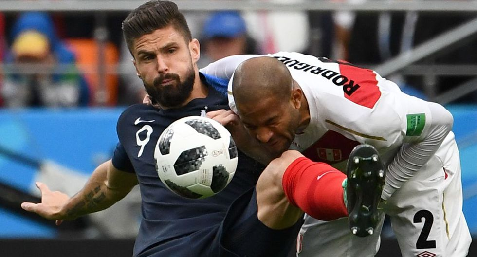 Alberto Rodríguez se lesionó con la Selección Peruana en el Mundial de Rusia 2018. (AFP)