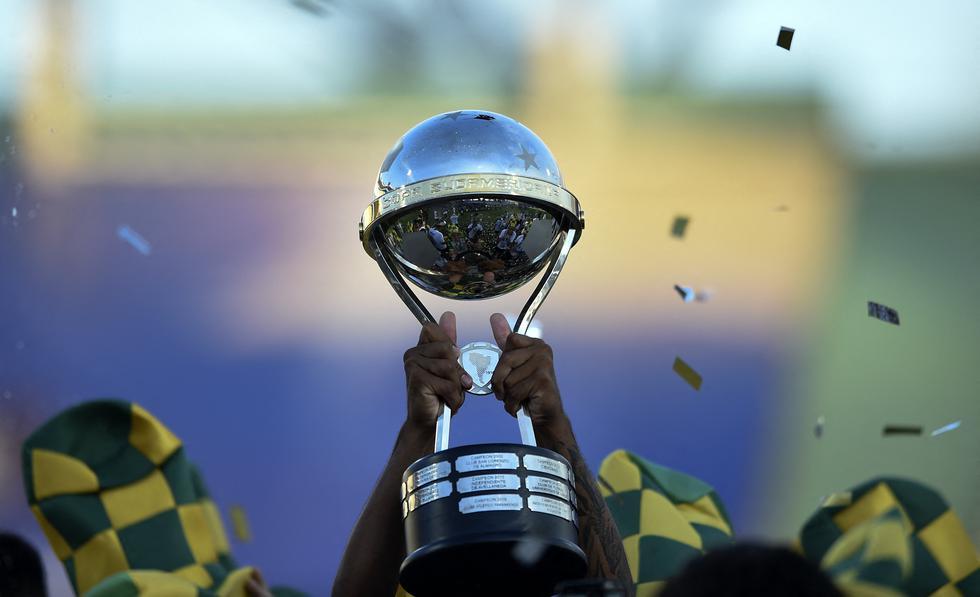 La fase de grupos de la Copa Sudamericana 2021 fue sorteada este viernes en Luque, Paraguay. (Foto: AFP)