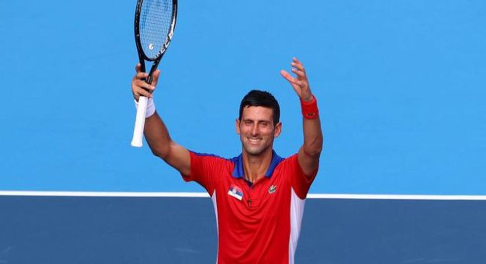 Los deportistas que le pidieron un selfie a Novak Djokovic en Tokio 2020. (Difusión)