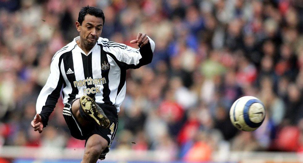 Nolberto Solano, en 1998, se convirtió en el primer futbolista peruano en jugar en Inglaterra. (GEC)