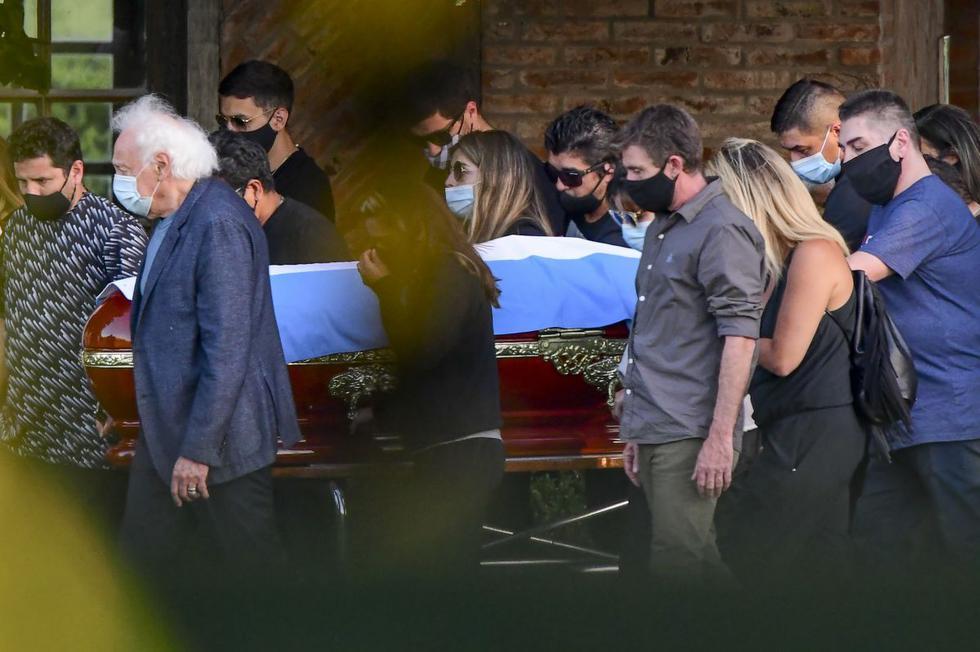 Los restos del legendario Diego Maradona fueron inhumados este jueves en un cementerio privado, al noroeste de Buenos Aires. (Fuente: AFP)
