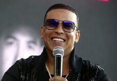 Daddy Yankee nos sorprende con su destreza para tocar el piano electrónico