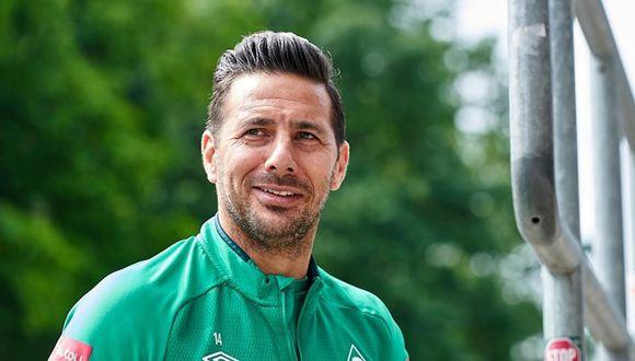 Claudio PIzarro se recupera de una lesión a falta de seis fechas para el final de la Bundesliga. (Foto: Werder Bremen)