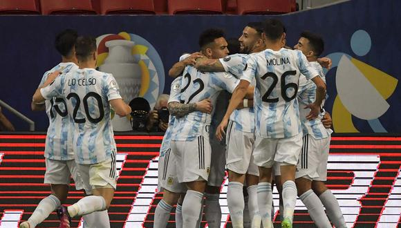 Argentina consiguió el triunfo tras tres empates consecutivos. Los de Scaloni se acercan a los cuartos de final de la Copa América. | Foto: AFP