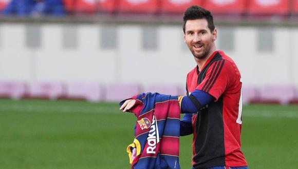 Lionel Messi homenajeó a Diego Maradona con la camiseta de Newell's. (Foto: Reuters)