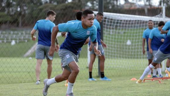 Miguel Cornejo y el mensaje de Jefferson Farfán. (Foto: prensa del club / Liga 1)