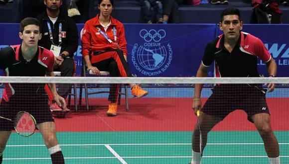 Daniel La Torre y Jose Guevara juegan en dobles. (Bádminton Perú)