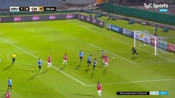 el-de-tocopilla-alexis-sanchez-aparece-para-el-empate-1-1-entre-chile-y-uruguay-por-eliminatorias-2022-video