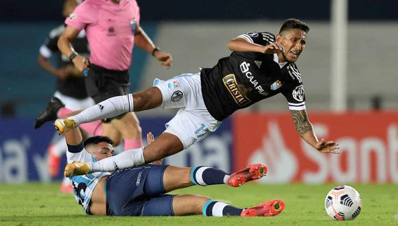 Con la caída de Sporting Cristal, los clubes peruanos van 17 derrotas en las últimas 19 presentaciones en Copa Libertadores. (Foto: EFE)