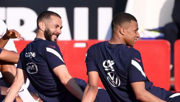 Benzema y Mbappé coincidieron en la selección de Francia en la última Eurocopa. (Foto: EFE)