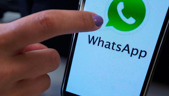 Desde ahora ya no tendrás que esperar llegar a casa para escuchar tu mensaje de voz de WhatsApp y recién responderle a esa persona que necesita una respuesta de inmediato. (Foto: EFE)