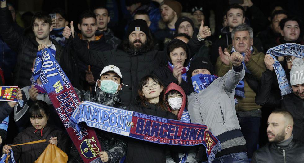 Barcelona vs. Napoli: el coronavirus en el San Paolo. (AFP)