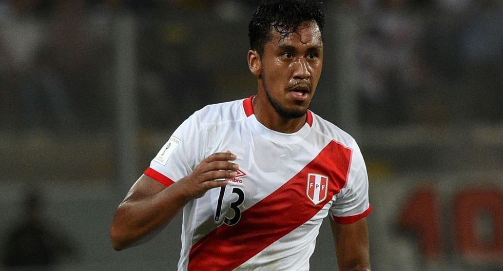 Renato Tapia ha jugado 22 partidos este año, 20 de ellos a nivel de clubes y dos con la Selección Peruana. (AFP)