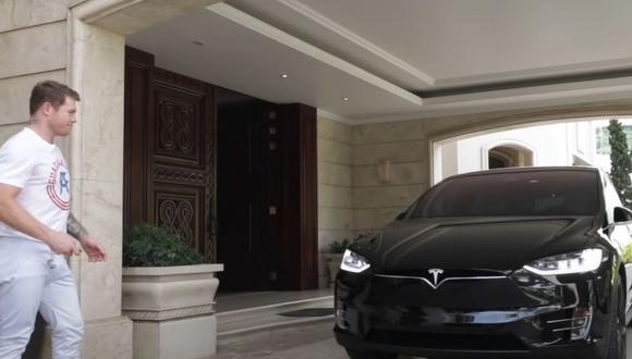 Canelo muestra la casa y los autos de sus sueños. (Foto: Captura de video de Graham Bensinger)