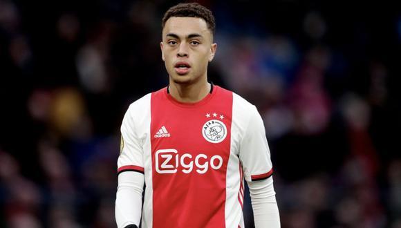 Sergino Dest debutó con el Ajax apenas el año pasado. (Foto: Agencias)