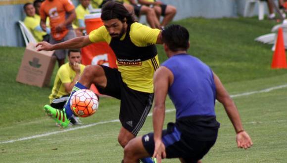 Sporting Cristal ya se 'luce' con los balones de la Copa Libertadores. (Facebook: Sporting Cristal)