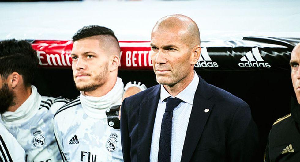 Zinedine Zidane dirige su segunda etapa como técnico del Real Madrid. (Foto: Getty)