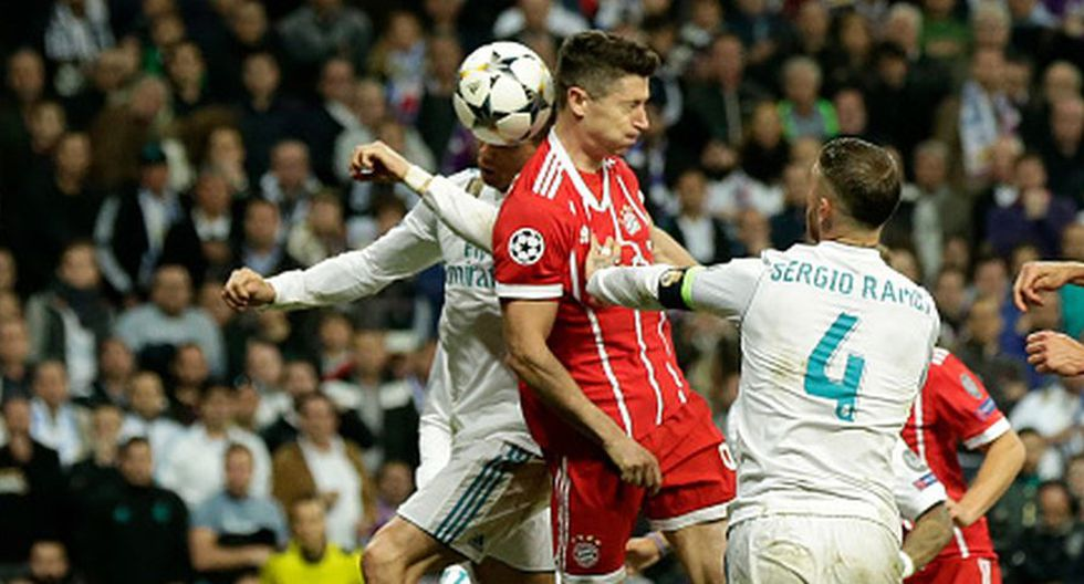 Cristiano Ronaldo y Sergio Ramos intentaron llevar a Lewandowski al Real Madrid. (Getty)