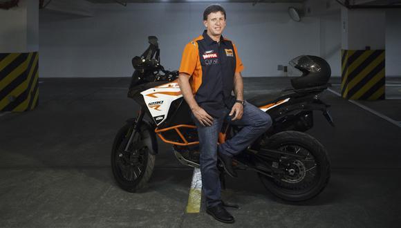El motociclista invita a que sigan invirtiendo en el deporte peruano. Carlo Vellutino actualmente cuenta con el auspicio de Clear.