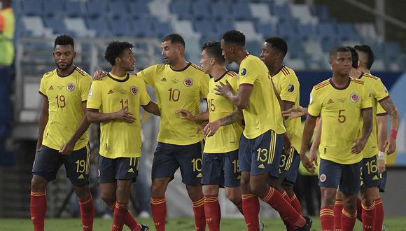 Colombia derrotó a Ecuador por 1-0 con gol de Cardona y es líder con Brasil en el grupo B de la Copa América. | Foto: AFP