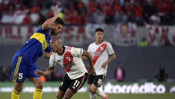 Carlos Zambrano ingresó en River vs. Boca tras la expulsión de Marcos Rojo. (Foto: AFP)