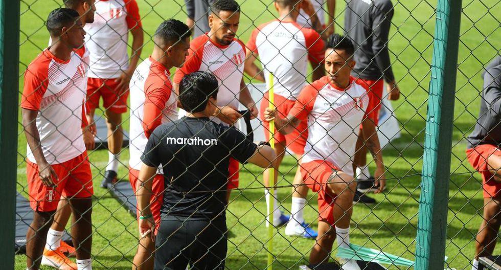 Carlos Zambrano se mostró recuperado en los entrenamientos previos al Perú vs. Brasil. (Foto: Daniel Apuy)