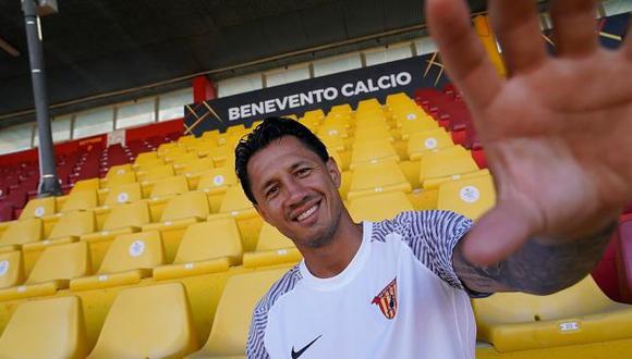 Lapadula podría debutar con Benevento. (Foto: @bncalcio)
