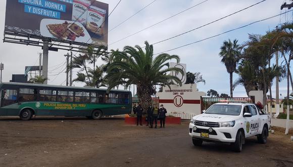La PNP llegó hasta las afueras de Campo Mar para resguardar la seguridad del equipo y el comando técnico. (Foto: Difusión)