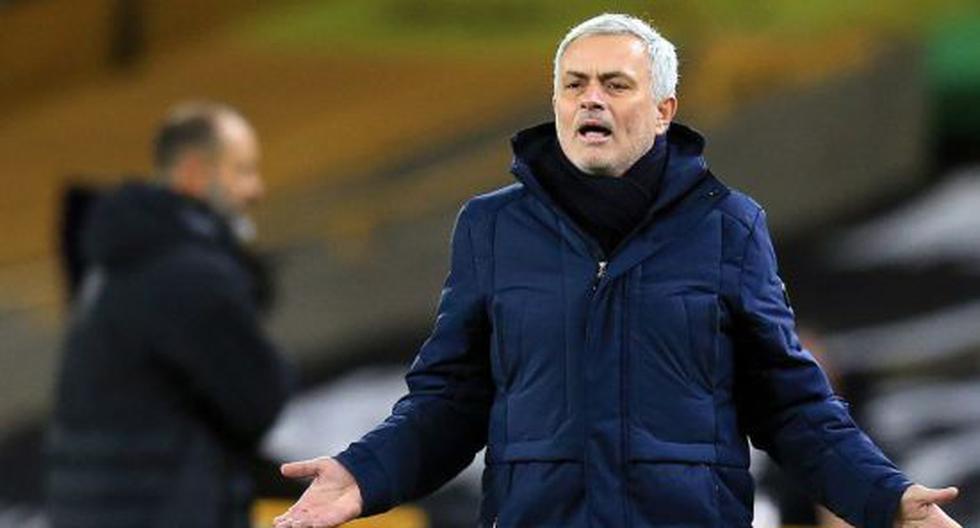 """Mourinho explota contra Fortnite: """"Los futbolistas se quedan toda la noche jugando esa mie***"""""""