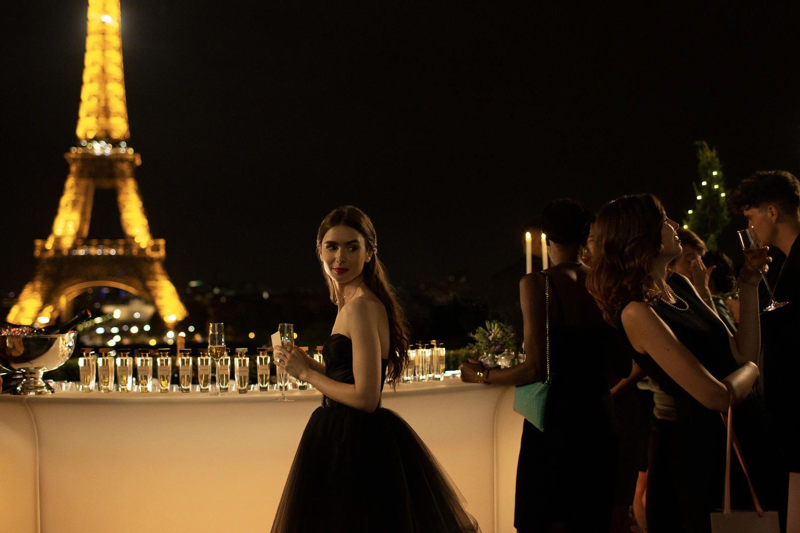 Emily a diferencia de Carrie decide quedarse en París (Foto: Netflix)
