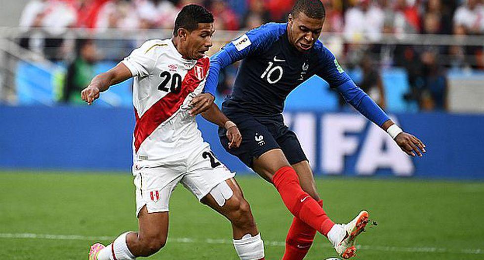 Edison Flores fue titular en los tres partidos de la selección peruana en Rusia 2018. (Foto: AFP)