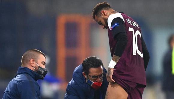 Neymar cayó lesionado en el duelo ante Istambul por la Champions League. (Foto: EFE)