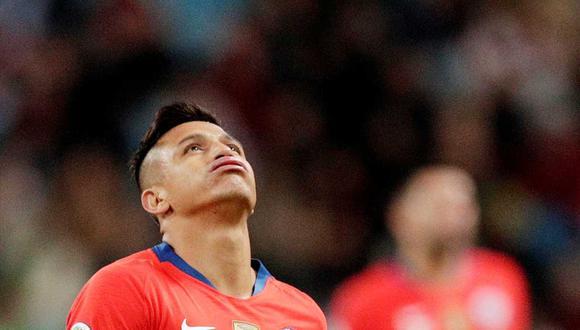 Alexis Sánchez sufrió una molestia que preocupa al comando técnico de Chile en el último entrenamiento. (Foto: Reuters)