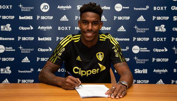 Junior Firpo firmó con el Leeds United hasta el 2025. (Foto:@LUFC)