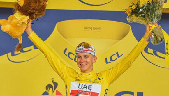 Tadej Pogacar ganó la Etapa 17 del Tour de Francia 2021 y continúa siendo el líder. (Twitter)